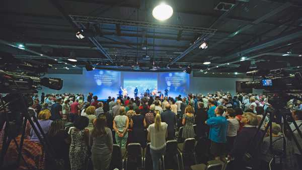Worship at Trent Vineyard